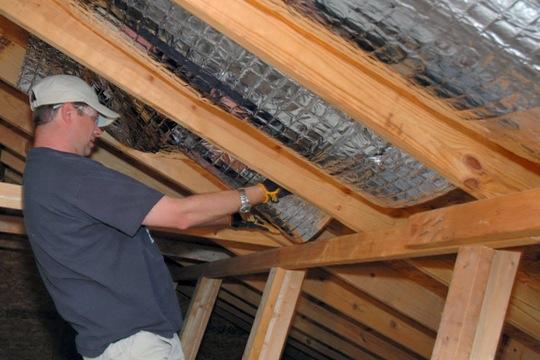 comment isoler toiture tuyaux choisir isolation et d tails habiles. Black Bedroom Furniture Sets. Home Design Ideas