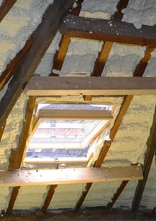 Pur écume d'isolation de toiture